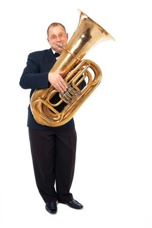 Tubaist jeune est jouer de son instrument Banque d'images