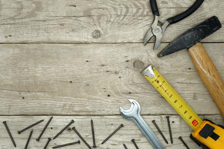 木製のテーブルに便利屋ツール 写真素材