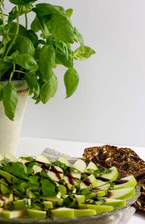 basils: apples and salad basils