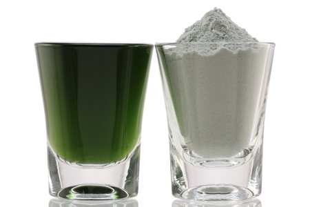 generic medicine: Chlorophyll Fine Powder and Mixed with Water, to boost immune system Stock Photo