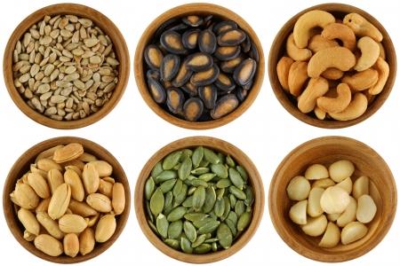 Geröstet und gesalzen Sonnenblumenkerne, Wassermelone Samen, Cashew-Nüsse, Erdnüsse, Kürbiskerne, Macadamia Standard-Bild - 15539221