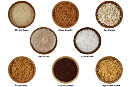 productos naturales: Conjunto de productos naturales para hacer Scrub facial o corporal, aislado en fondo blanco Foto de archivo