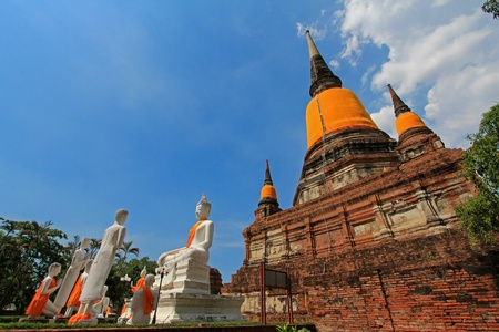 disciples: Demonstration of a group of 5 disciples   monks - Panjavakkiya, at Wat Yai Chai Mongkol, built in 1357 in Ayutthaya