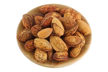 shelled: Shelled and unshelled almonds