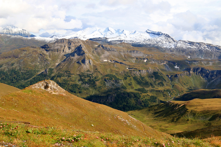 hochalpenstrasse: View of the mountain ranges during Autumn season. Photo taken from the Grossglockner high alpine road Hochalpenstrasse in Austria