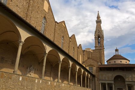 cappella: FLORENCE, ITALY - SEPTEMBER 2016 : Exterior of Pazzi Chapel (Cappella dei Pazzi) in 1st cloister of Basilica di Santa Croce in Florence, Italy on September 21, 2016