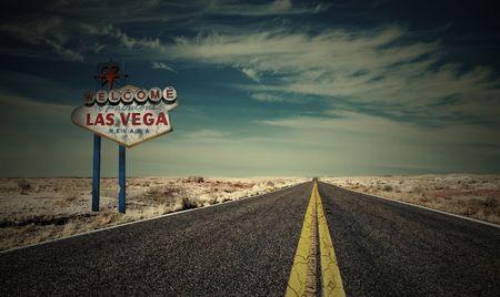 end line: Signo de las Vegas y carretera vac�a a ninguna parte  Foto de archivo