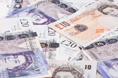 libra esterlina: Pila de dinero libras esterlinas libras esterlinas