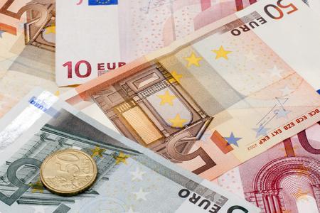 banconote euro: Le banconote in euro e monete