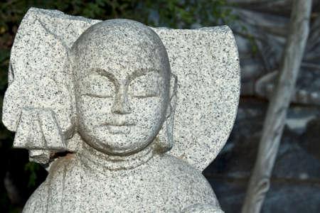 cabeza de buda: Cabeza de Buda de piedra vieja