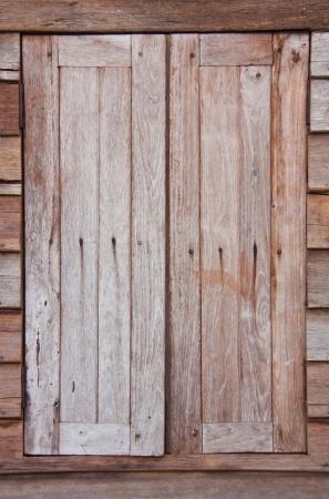 오래 된 나무 창 스톡 콘텐츠 - 24667879