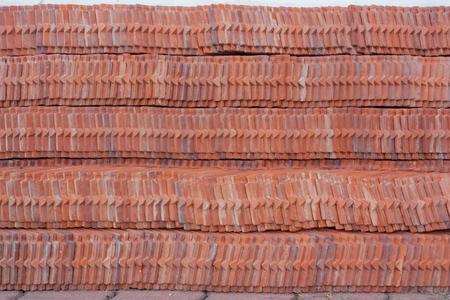 태국에서 태국어 사원의 지붕 타일 스택. 스톡 콘텐츠
