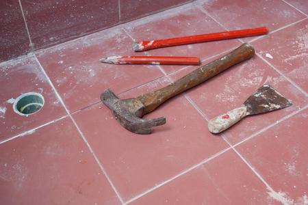 도구는 바닥 타일, 건설 현장에 누워. 스톡 콘텐츠