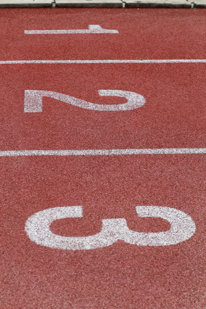 1 ~ 3, 비즈니스 및 동기 부여 번호가있는 선수 트랙 또는 달리기 트랙.