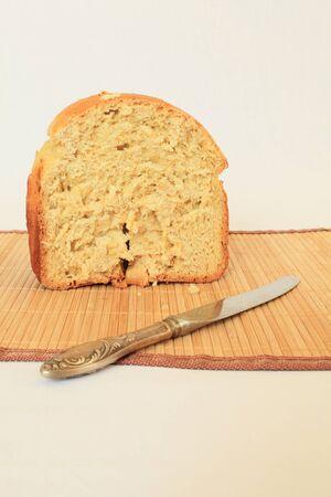 Rarezanny Bread and knife