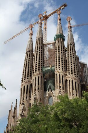 Temple of the Sagrada Familia in Barcelona is the capital of Catalonia, built by the architect Gaudi, and is currently in the stage of the restoration and construction