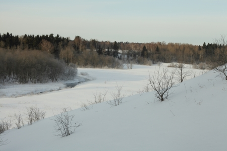 skat: Photo the river early on the Sunny morning of March
