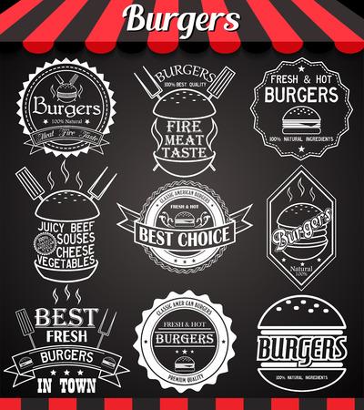 hamburguesa: Blanco hamburguesa conjunto iconos, etiquetas, símbolos y distintivos en la pizarra