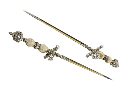 middle ages: Stiletto - secret edged weapons in the Middle Ages