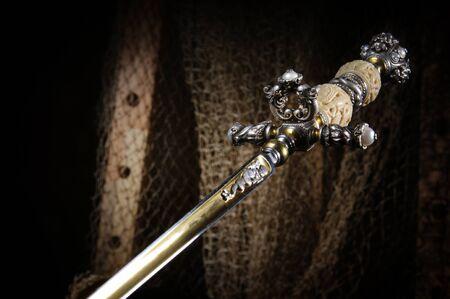medioevo: Stiletto - secret bordata armi nel Medioevo Editoriali