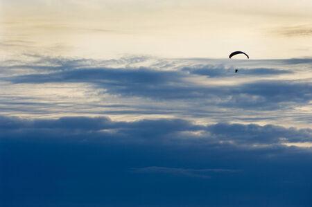 Paragliding sport Фото со стока
