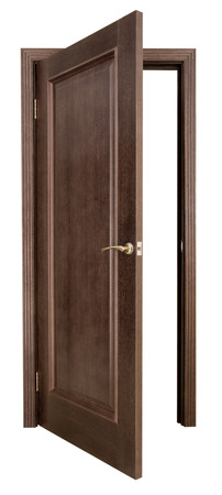 puerta abierta: Abrir la puerta de madera sobre un fondo blanco
