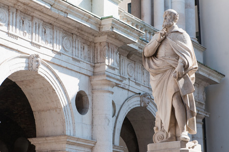 The statue of the famous Italian architect of the Renaissance Andrea Palladio, placed by the Basilica palladiana in Vicenza Stok Fotoğraf - 37151981