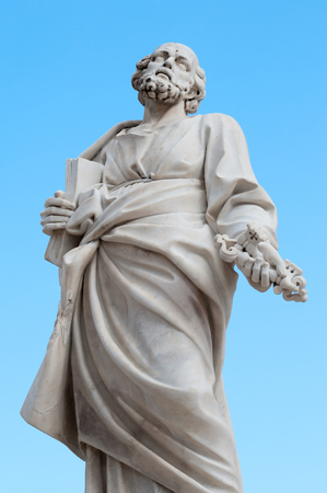 syracuse: The statue of St. Peter  in the external facade of the Cathedral of Syracuse