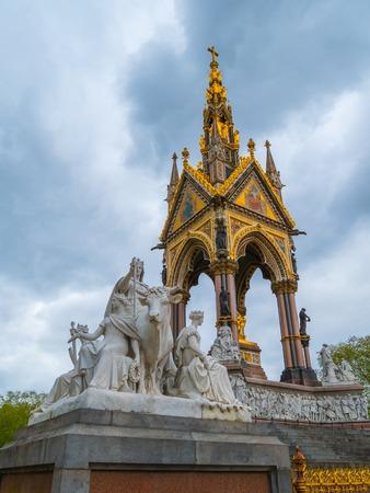 The Albert Memorial in Londons Hyde Park. Prince Albert Memorial, Gothic Memorial to Prince Albert. London.