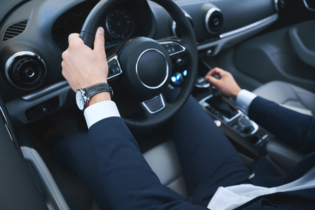 Young business man test drive new car 스톡 콘텐츠