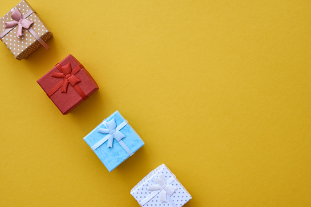 Too cute! Little gift boxes in different colors