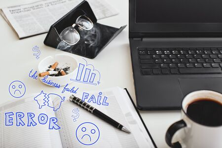 Making mistakes. Cropped shot of office desk. Marketing failures concept Stockfoto