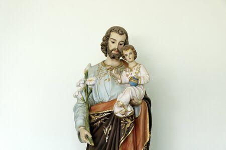 Saint Joseph and baby Jesus of the Catholic Church - Sao Jose - Menino Jesus - St Joseph Imagens - 134514673