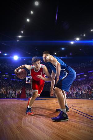 Joueur de basket n action. autour de l'arène avec un point lumineux bleu Banque d'images
