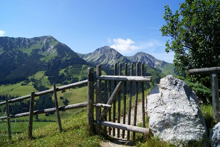 mountain ranges: Trail in the Alps
