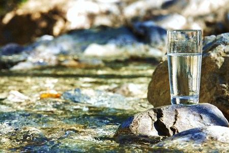River in the Tyrolean Alps in drinking water quality Imagens - 40880448