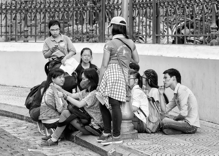 vietnamese ethnicity: HO CHI MIN, VIETMAN - OCT 4, 2014: Unidentified Vietnamese people in Saigon, Vietnam. 86 of Vietnamese people belong to the Viet ethnic group Editorial