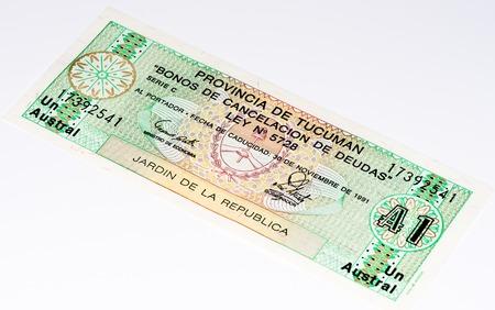 signo de pesos: 1 austral de la provincia de Tucumán en Argentina