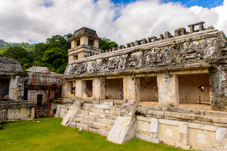 Top of  the Palace of Palenque, a pre-Columbian Maya civilization of Mesoamerica. Known as Lakamha (Big Water). UNESCO World Heritage Stock Photo