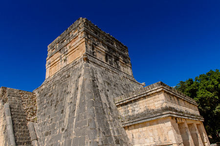 Temple, Chichen Itza, Tinum Municipality, Yucatan State. It was a large pre-Columbian city built by the Maya people of the Terminal Classic period. UNESCO World Heritage Stock Photo