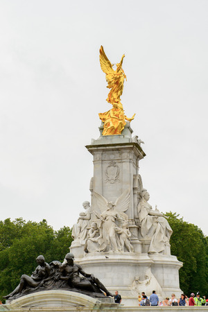 Victoria Memorial, in front of the Buckingham Palace, England Stock Photo