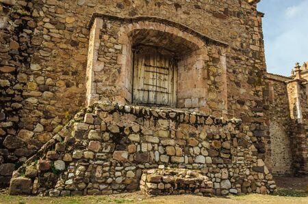 Muralha da Igreja e Mosteiro de Santo Domingo, Peru Foto de archivo - 84754172