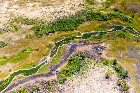 prachtige luchtfoto van de Okavango-delta (Okavango-grasland), een van de zeven natuurwonderen van Afrika, Botswana Stockfoto
