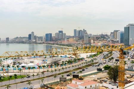 Stadt von Luanda, Angola Standard-Bild - 84784975