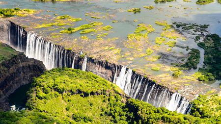 빅토리아 폭포, 잠비아 및 짐바브웨의 놀라운 공중 전망. 스톡 콘텐츠
