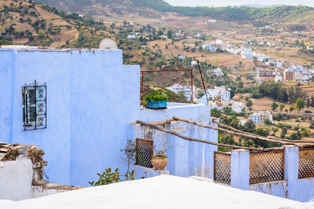 Blue wall of Chefchaouen, small town in northwest Morocco famous by its blue buildings Stockfoto