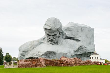 ブレスト要塞、ブレスト、ベラルーシの未知の兵士の記念碑。1941年6月22日のドイツ侵攻に対するソ連の抵抗を記念するソ連第二次世界大戦記念碑