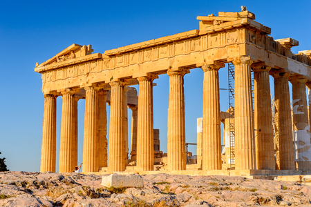 Parthenon, ein alter griechischer Tempel, der der Göttin Athene, Akropolis von Athen eingeweiht wird. Standard-Bild - 91668451