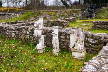 Statues of Sanctuary of Zeus Hypsistos, Dion Archeological Site in Greece 스톡 콘텐츠