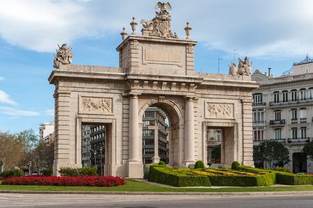 Puera del Mar (Sea Gate), Valencia, Spain Editorial